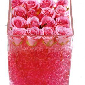 Γυάλα με ζελέ και τριαντάφυλλα