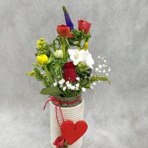 Χειροποίητο βάζο με άνθη