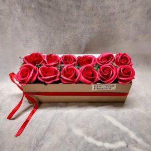 In a Box – Ντουζίνα με Κόκκινα Τριαντάφυλλα